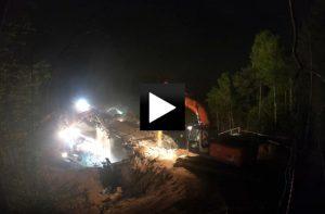Časosběrné video z bourání mostů na D1