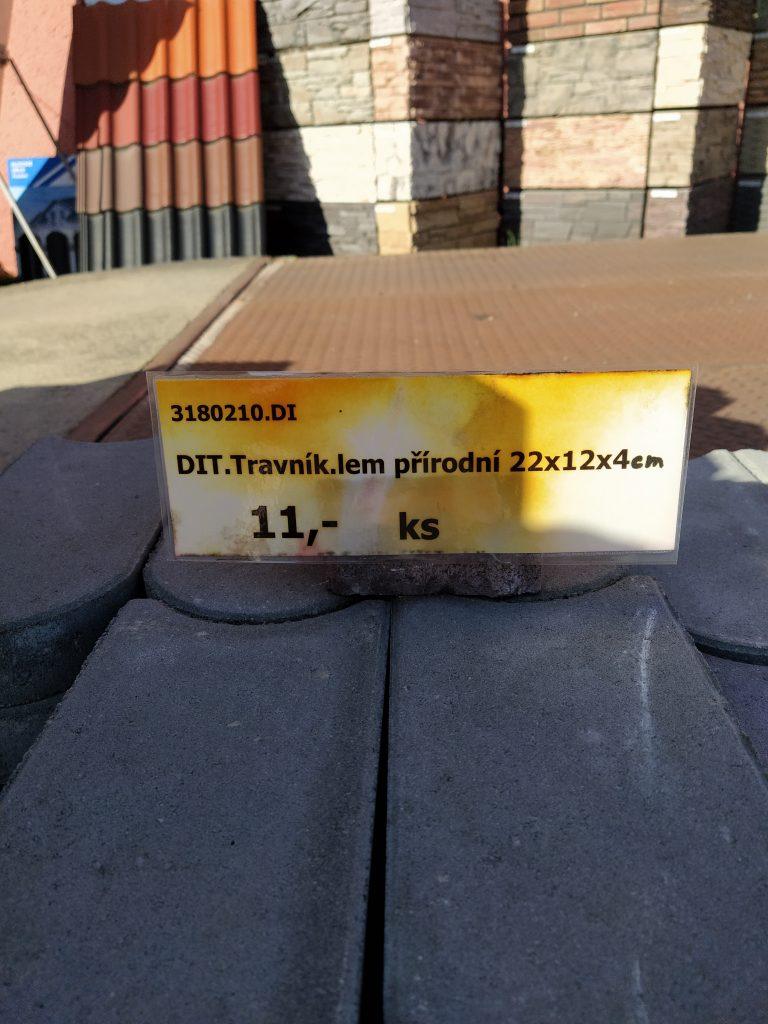 Prodám betonový trávníkový lem