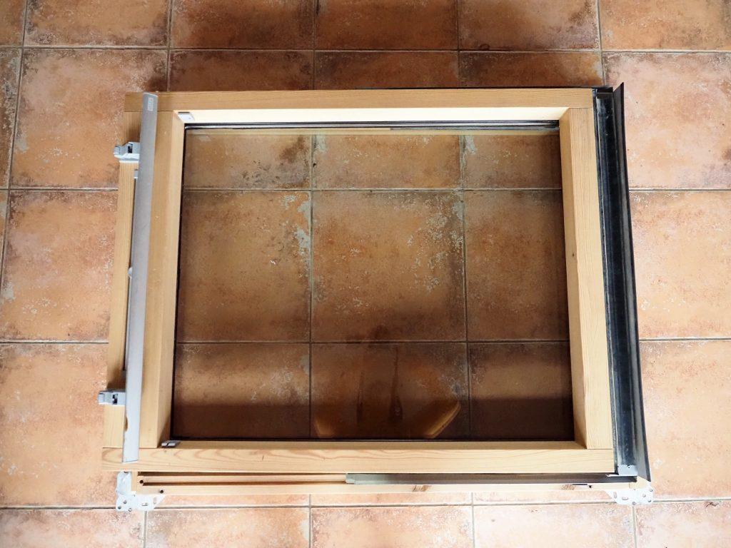 Střešní okno Velux - kyvné, dvojsklo