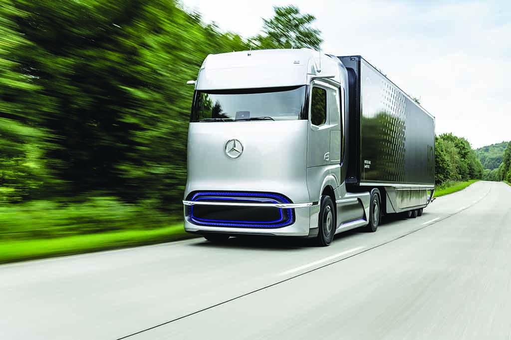 """Nejinovativnější nákladní vozidla pro elektrickou budoucnost: Mercedes-Benz eActros a Mercedes-Benz GenH2 Truck získaly ocenění """"Truck Innovation Award 2021"""""""