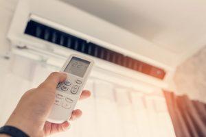 Účinnost ve vysokých teplotách, wifi či zvlhčování vzduchu. Jaké atributy sledovat při výběru klimatizace?