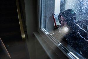 Nezabezpečená okna odolají zlodějům jen pár vteřin! Jak na výběr bezpečnostních oken?