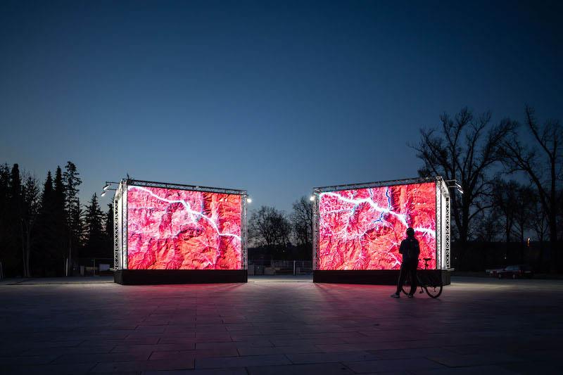 Signal Festival je zpět ve velkém a experimentuje. Vedle uměleckých instalací letos představí i virtuální instalace v rozšířené realitě.