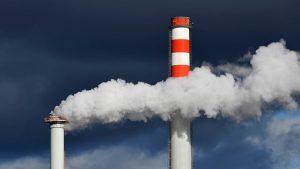 Ministerstvo chce teplárnám kompenzovat emisní povolenky. Lidé si tak za teplo zaplatí dvakrát!